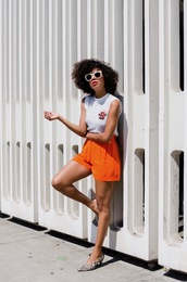 style me grasie,blogger,t-shirt,shorts,sunglasses,summer outfits,orange shorts