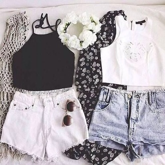 shorts black jeans white black floral flower crown kimono black top white top tank top