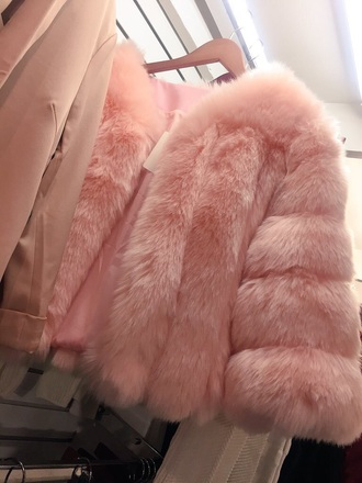 coat pink fur coat fur baby pink jacket pink fur coat faux fur coat pastel pink luxury rose fluffy faux fur pastel pale pink coat pretty fashion beautiful trendy rose gold glamour faux fur pink jacket faux fur jacket faux fur vest pink fur pink jacket cute