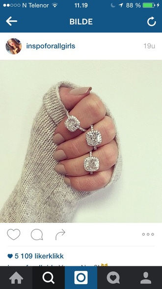 jewels jewelry hand jewelry ring rings and tings silver ring silver summer cute girly diamonds diamond ring nail polish nails sweater
