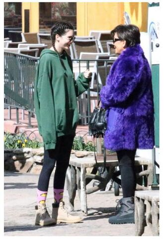 sweater hoodie leggings boots socks hairstyles braid kendall jenner oversized sweater