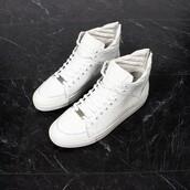 shoes,maniere de voir,sneakers,trainers,virtue,python