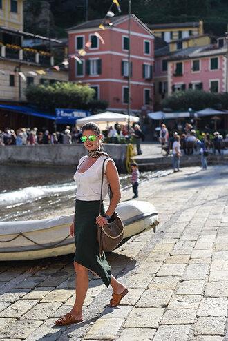 thank fifi blogger t-shirt skirt bag shoes scarf jewels