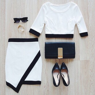 skirt sunglasses shirt black white high heels shoes purse braclet black and white clutch top bag