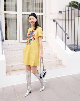 jewels choker necklace dress yellow dress boots metallic bag necklace