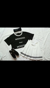 skirt,white skirt,short skirt,tennis skirt,pleated skirt,cute,back to school,white,black,band,stripes,baseball,cool,tumblr,teenagers,girl,90s style,grunge,pastel,goth,fashion,style,summer,spring,black and white,t-shirt