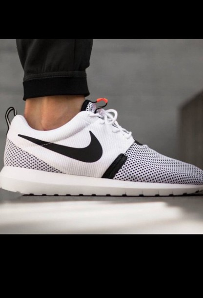 shoes nike roshes white running shoes wheretoget