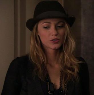 hat gossip girl