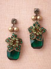 jewels,emerald green earrings