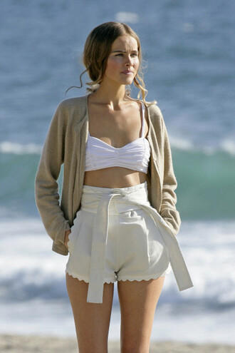 shorts retro isabel lucas sweater