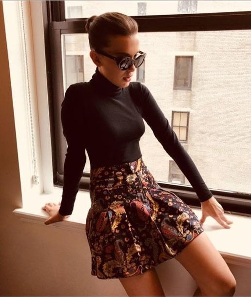 skirt millie bobby brown sweater