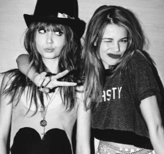 shirt hat t-shirt accessories jewels jewelry black white necklace black and white nasty cross crop crop tops cropped grunge accessory black hat grey friends