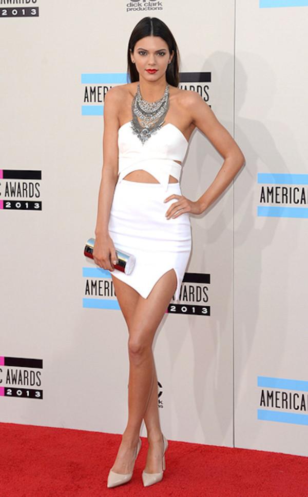 statement necklace model keeping up with the kardashians kardashians shirt kendall jenner dress bustier dress two-piece kylie jenner dress white dress strapless