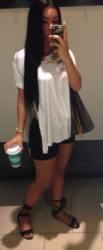 top white top shorts shoes
