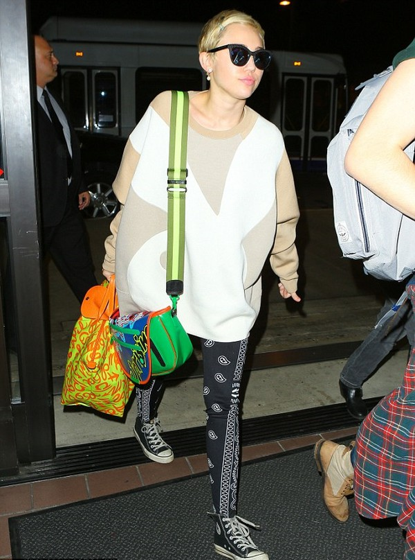 bag miley cyrus fall outfits pants