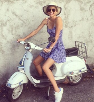 dress hat miranda kerr summer dress summer outfits sunglasses sneakers instagram