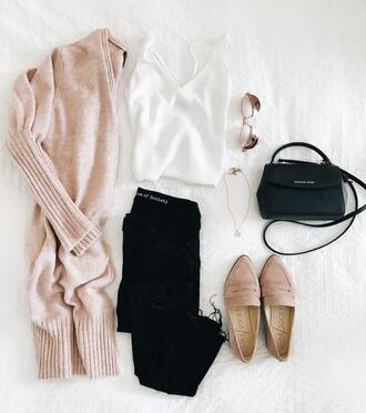 dress corilynn blogger sweater jeans tank top shoes jewels bag nude cardigan long sleeves beige cardigan spring outfits shoulder bag