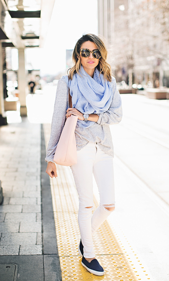 hello fashion blogger ripped jeans white jeans scarf vans sunglasses