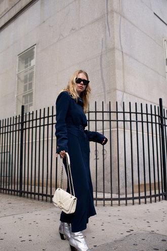 dress tumblr maxi dress navy navy dress blue dress long sleeves long sleeve dress bag white bag boots silver boots sunglasses