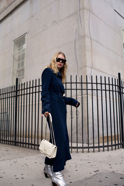 dress tumblr maxi dress navy navy dress blue dress long sleeves long sleeve dress bag white bag boots silver boots sunglasses