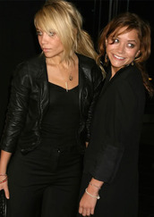 olsen sisters,blogger,all black everything,black jeans,shoes
