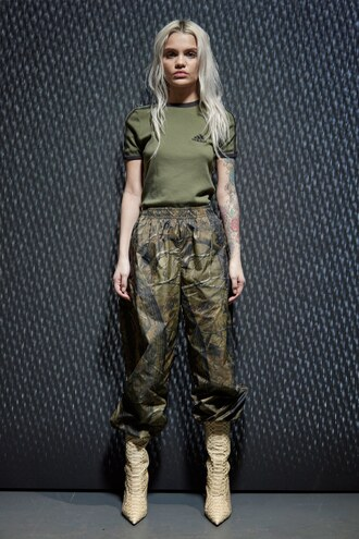 pants top t-shirt nyfw 2017 fashion week 2017 camouflage camo pants yeezy
