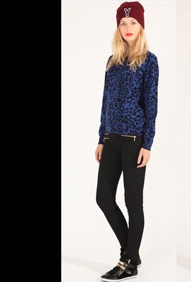 blue sweater animal print