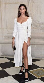 dress,slit,pumps,Paris Fashion Week 2017,model off-duty,emily ratajkowski,shoes,midi dress