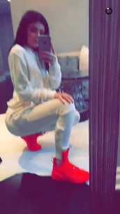 shoes,sneakers,red,mid,kylie jenner,kendall and kylie jenner
