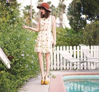 a fashion nerd blogger felt hat spring dress platform high heels