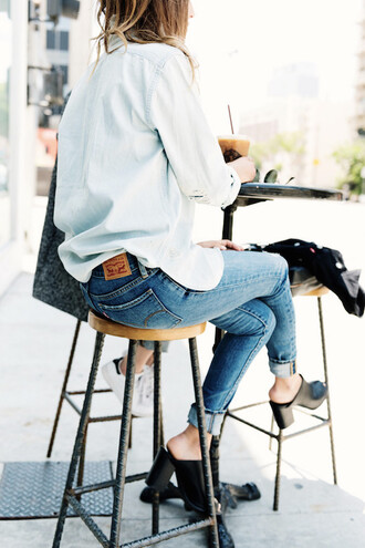 le fashion image blogger sunglasses shirt jewels jeans shoes tumblr white shirt blue jeans cuffed jeans mules black mules thick heel spring outfits