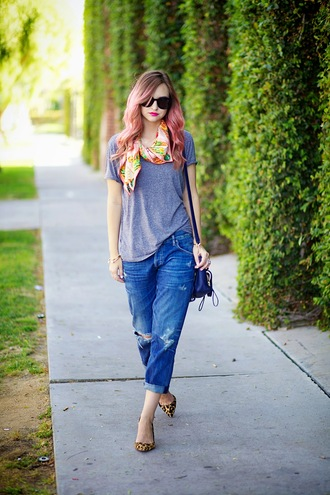 late afternoon jeans t-shirt scarf shoes bag sunglasses jewels