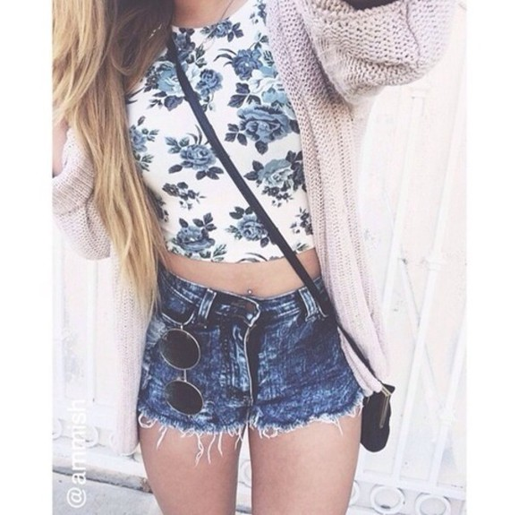 hipster girl cardigan blonde hair denim blouse floral rosy crop tops