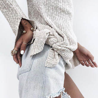 jewels tumblr sweater grey sweater denim shorts shorts ring knuckle ring bracelets jewelry statement bracelet ripped jeans light blue jeans statement ring