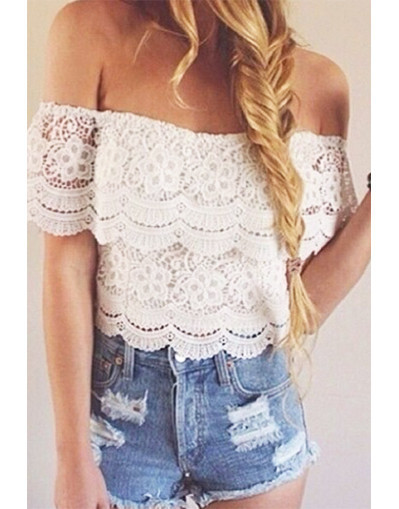 Blogger trendy style fashion elegant celebrity