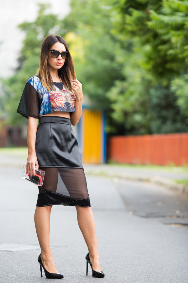 cashmere in style t-shirt skirt bag shoes sunglasses