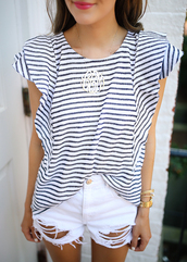 jewels,tumblr,necklace,silver necklace,jewelry,top,stripes,striped top,shorts,denim,denim shorts