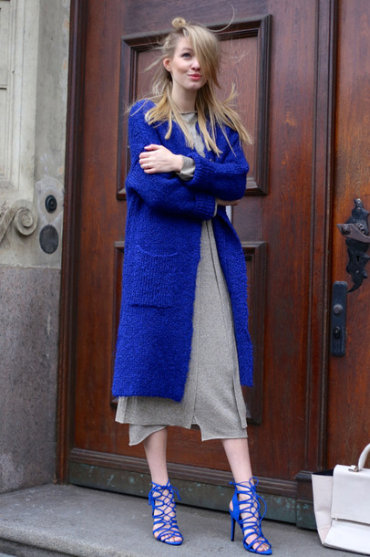 ohh couture blogger cardigan dress blue coat strappy sandals knitted cardigan bag shoes make-up midi knit dress grey knit dress