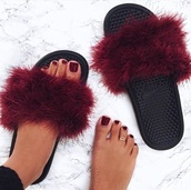 slide shoes,fluffy,burgundy shoes,burgundy,nike,shoes,slippers,red,flip-flops,slip on shoes,nikes,fur,cute,fall outfits,fluffy flip flops,nike shoes,sandals,furry nike sandals,nike sandal