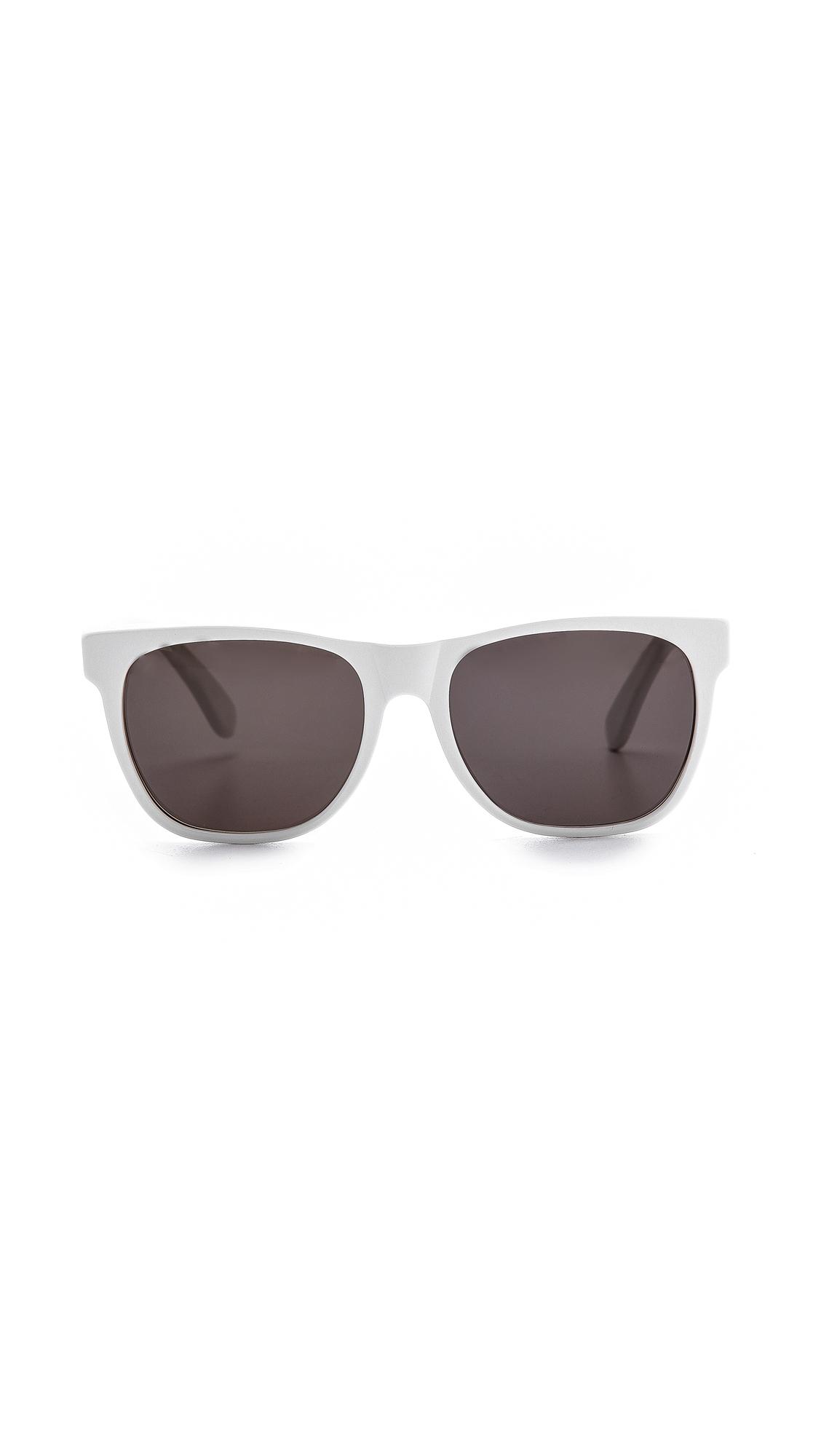 white oakley ski goggles atru  ray ban 3025 aviator sunglasses gold