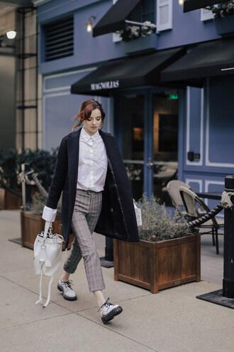 sea of shoes blogger pants coat bag bucket bag winter outfits white shirt