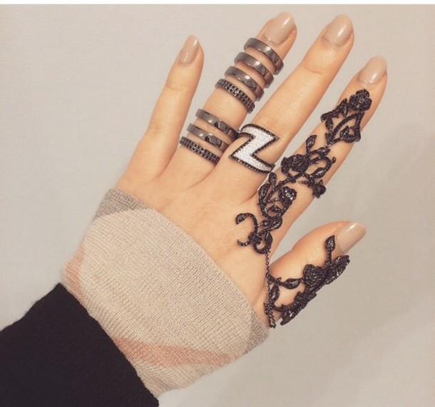 jewels hand ring jewelry black cutout diamond