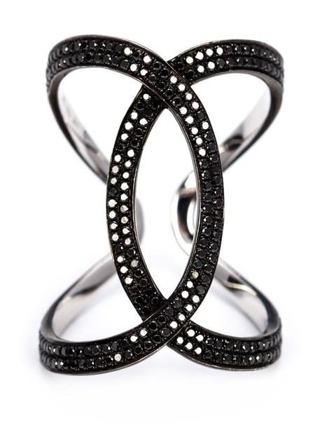 women ring gold black jewels