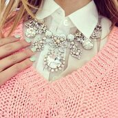 jewels,necklace,jewelery,shiny,pretty,tumblr,belt,diamonds,statement necklace,collar necklace,chunky necklace,silver,withe cute big beautiful,baby pink,sparkle,sweater,beautiful,white,jewelry,pink sweater,white blouse,blouse,big necklace,pink,knit,warm,girly