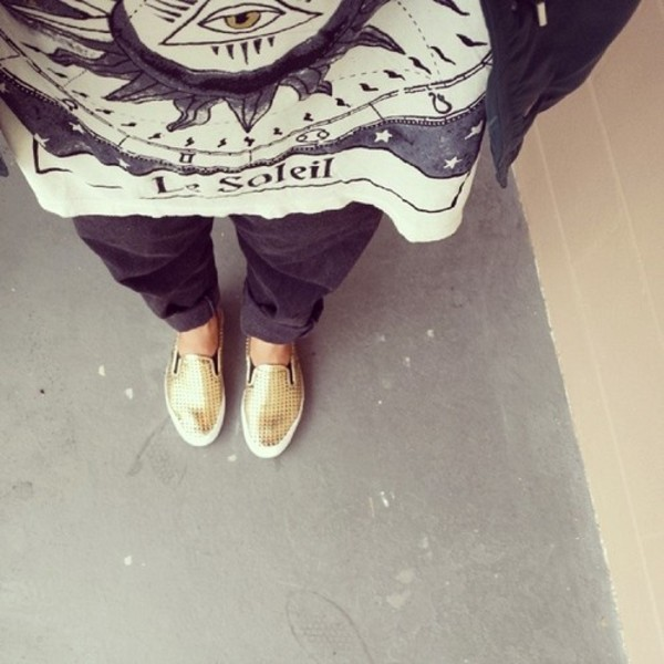 shoes gold ootd clothes blogger tumblr tumblr clothes shirt loafers slip on shoes