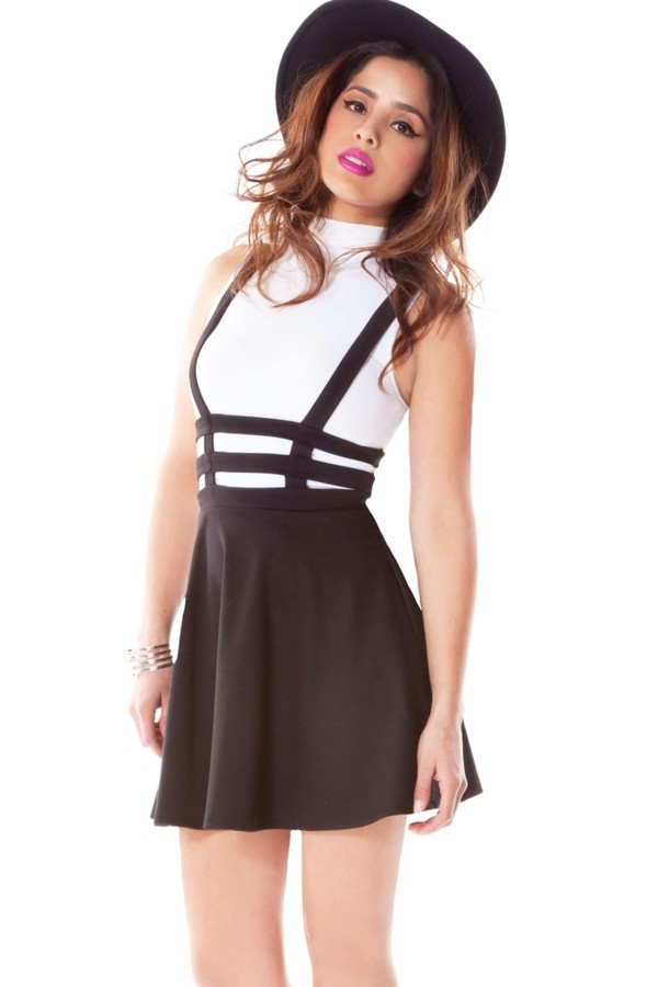 40f7ac7541 Cut Out High-waisted Black Skirt With Shoulder-straps | Choies