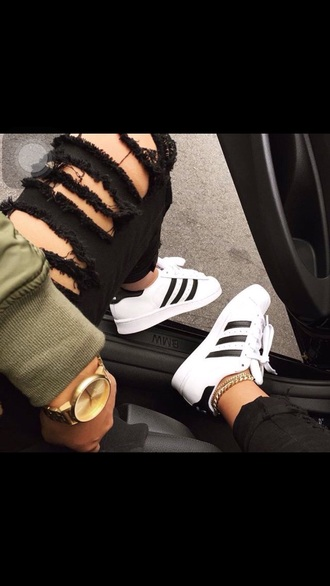 jeans pants jasminejanine_ black ripped pants adidas superstars comfy ootd gold x white x black x green tumblr slayy black ripped jeans