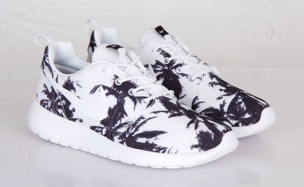 shoes black and white roshess palm tree print roshe runs nike running shoes nike roshe run running shoes
