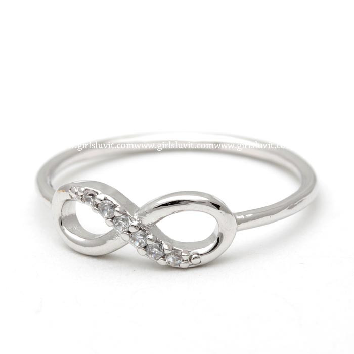 girlsluv.it - infinity ring, half crystals