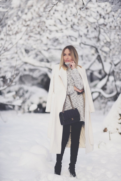rock and roses blogger white coat grey sweater winter coat knitted sweater white long coat turtleneck turtleneck sweater oversized sweater
